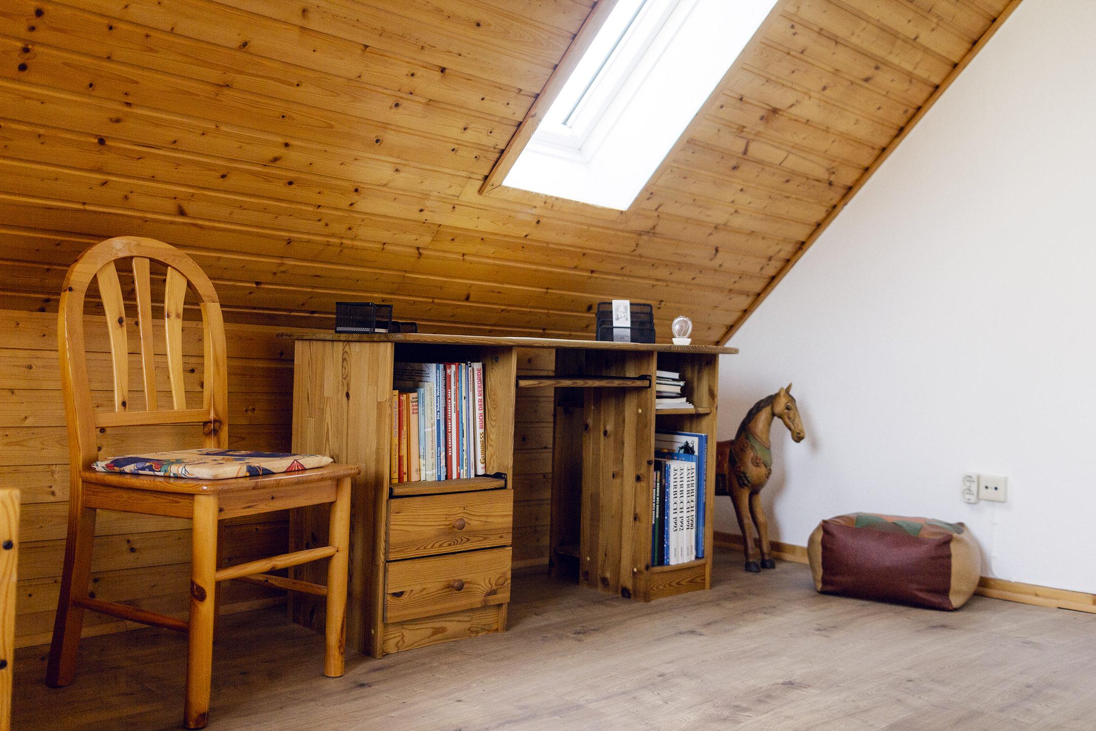 Dachgeschoss-Schreibtisch