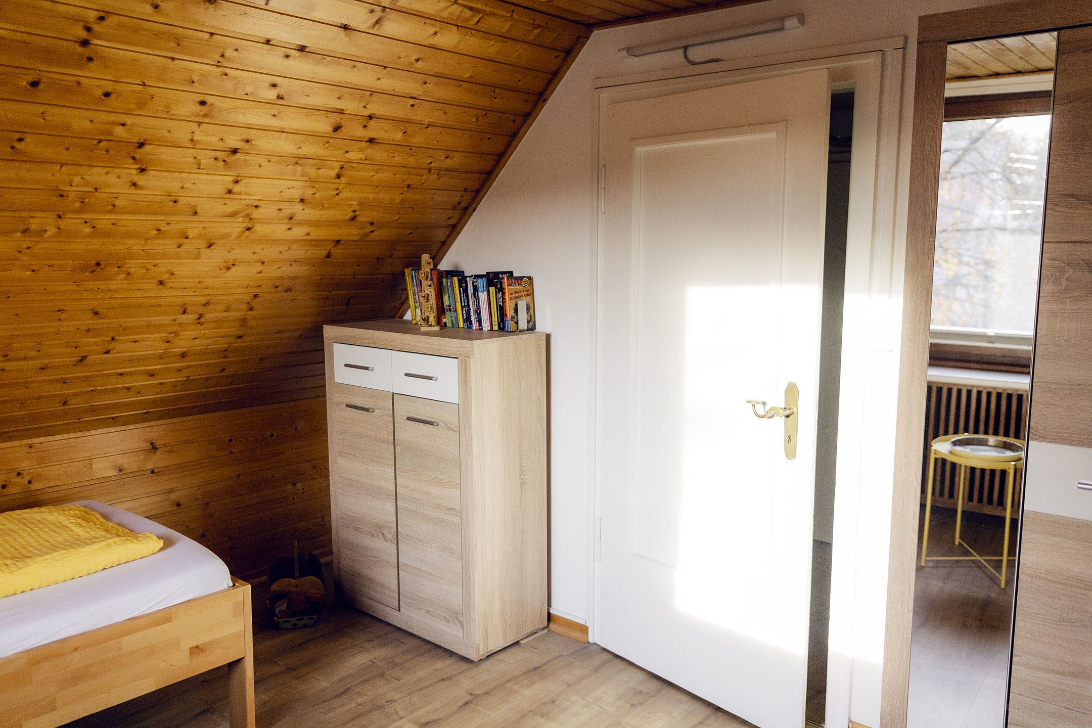 Dachgeschoss-Tür